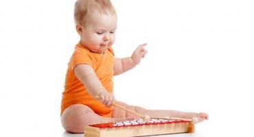 نوزادان صدا را خیلی دوست دارند (0 تا 6 ماه)